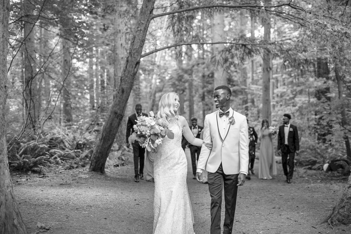 vancouver wedding photographer, maru photography, summer wedding, pacific northwest wedding, pacific nortwest elopement, bc wedding, canadian wedding, vancovuer bride, redwood park, bridesmaids, wedding party fun, bridal party